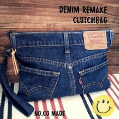 38 Ideas Sewing Ideas Jeans Kids For 2019 - Denim creations Artisanats Denim, Denim Purse, Clutch Purse, Jean Crafts, Denim Crafts, Mochila Jeans, Jean Diy, Denim Handbags, Denim Ideas