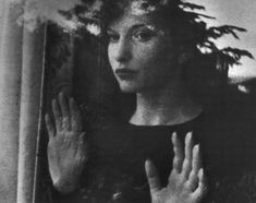 Maya Deren Botticelli shot from Meshes of the Afternoon 1943 - Alexandr Hackenschmied - Monoskop Beauty Photography, Portrait Photography, Fall Photography, Maya, Karl Blossfeldt, Great Poems, Nostalgia, Multiple Exposure, Day For Night