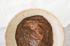 Tamarind and date chutney – Recipes – Bite Date Chutney, Plum Sauce, Chilli Flakes, Chutney Recipes, Edible Gifts, Tamarind, Indian Dishes, Indian Food Recipes, Sauces