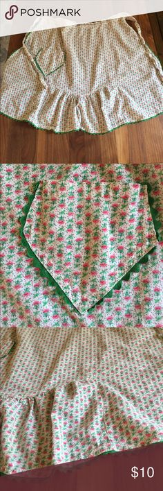 Adorable vintage apron This apron is precious! Tiny pink roses and over and green zig zag trim. Why not cook in style?! American Vintage Other