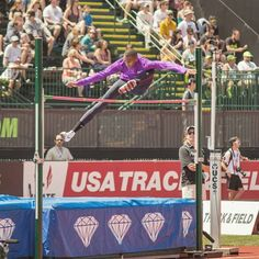 Mutaz Barshim scissor kicking over a bar set to 6'8 with no warmup. This guy can fly.