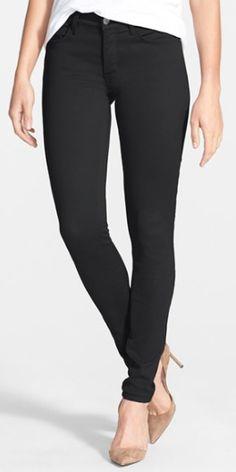 black stretch skinny jeans  http://rstyle.me/n/n8jg2pdpe