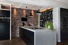Bar in keuken woonkamer betoncire strak