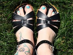 I need a pair of Salt Water Sandals this summer
