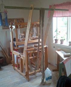 Weaving Tools, Loom Weaving, Rug Loom, Flooring, Crafty, Rugs, Simple, Diy, Inspiration