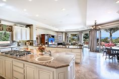lots of light, lots of space, gorgeous kitchen