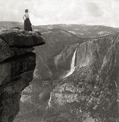 I think this is in Yosemite. I remember seeing similar photos when up above on the overlook. Currently forgot the name of the overlook