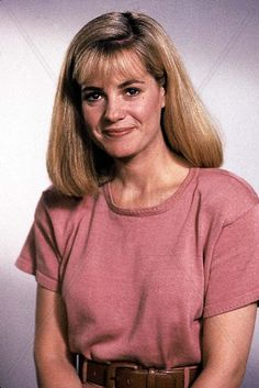 Bonnie Hunt, Hair Makeup, 90s Makeup, Hollywood, V Neck, Actresses, Hair Styles, Image, Collection