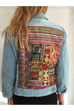 Jean Hippie, Jean Jacket Design, Jeans Refashion, Embellished Jeans, Patched Jeans, Altered Couture, Patches, Embroidered Jacket, Denim Outfit