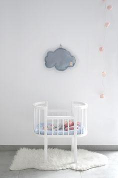 Kids room - Crib by Northome, doll by Sirlig, cloud by Milapinou - Luna W Chmurach