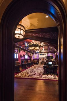 The best ways to use your counter service Disney Dining Plan credits at Walt Disney World!