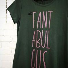 Jolin que gustazo da comprar al 50% cositas tan monas como esta camiseta.