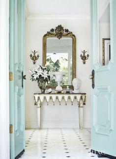 Light blue and white entry