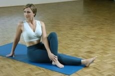 """How Yoga Helps Cancer Patients and Cancer Survivors """"yoga used as therapy for cancer can help clear out toxins accrued during cancer treatment more effectively"""""""
