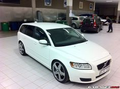 Volvo V50. flawless design..