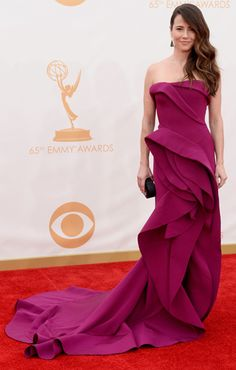 Linda Cardellini at the 2013 Emmy Awards