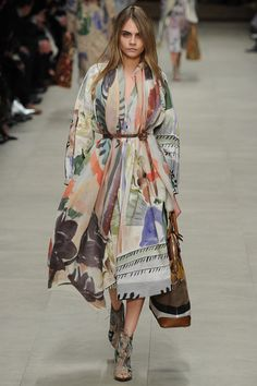 cara delevigne at the burberry runway. pinterest: youniversing