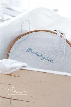 """etwas Blaues - Vorbereitungen für mein sehr besonderes Ringkissen - Stickvorlage aus meinem Buch """"Sommerglück"""", Verlag acufactum"""