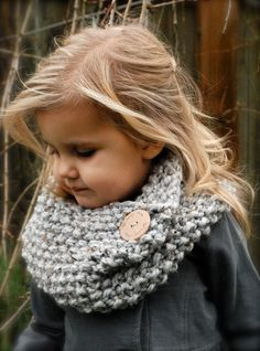 Knitting PATTERN-The Londynn Cowl (Toddler, Child, and Adult sizes) – armstulpen stricken Knitting For Kids, Loom Knitting, Knitting Projects, Baby Knitting, Knitting Patterns, Crochet Patterns, Diy Tricot Crochet, Crochet Scarves, Crochet Baby