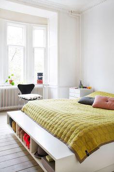Kom med indenfor hos skuespiller Anne Sofie Espersen bor - Alt for damerne Furniture, Room, Bedroom Furniture Beds, Interior, Home Bedroom, Cozy House, Bedroom Interior, Home Decor, Bedroom Inspirations