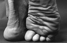 Photographer Lucyna Kolendo captures the human body as simple, beautiful forms of light and shadow. Human Body Photography, A Level Photography, Texture Photography, Figure Photography, Art Photography, People Photography, Inspiring Photography, Illustration Main, Human Body Art
