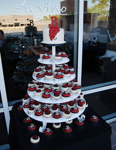 Themed Cupcakes Dawninvitescontest