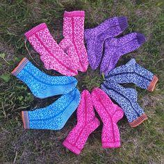 Ravelry: liwes' Kari Traa-rose socks