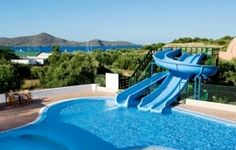 Crete family hotels: Crete is one of the best Greek islands to visit with kids. Choose from these family friendly hotels and resorts! Greek Islands To Visit, Best Greek Islands, Outdoor Spaces, Outdoor Decor, Hotel S, Crete, Childcare, Hotels And Resorts, Porto