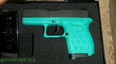 turquoise gun?! WANT!!!