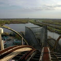 Jazzland Six Flags Amusement Park: Location: New Orleans, USAActive Years: 2000 - 2005Reason for Closure: Hurricane Katrina