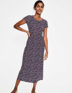 Nicola Jersey Midi Dress Day Dresses at Boden Boden Clothing, Day Dresses, Summer Dresses, Latest Fashion Dresses, Short Sleeve Dresses, Dresses With Sleeves, Smart Styles, Navy Midi Dress, Navy Women