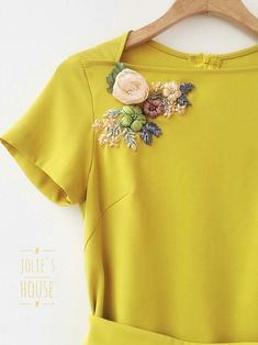 Wonderful Ribbon Embroidery Flowers by Hand Ideas. Enchanting Ribbon Embroidery Flowers by Hand Ideas. Embroidery On Kurtis, Kurti Embroidery Design, Embroidery On Clothes, Couture Embroidery, Embroidered Clothes, Embroidery Fashion, Embroidery Supplies, Ribbon Embroidery Tutorial, Embroidery Flowers Pattern