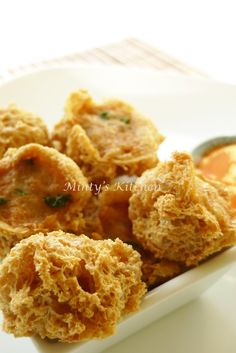 Minty's Kitchen: Crispy Stuffed Tofu Puffs