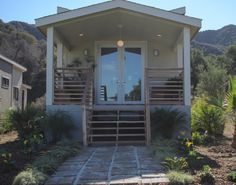 Darren continues to show off his outdoor skills this episode. #DreamBuilders