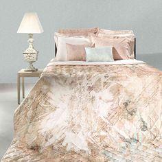 Αναβαθμίστε το υπνοδωμάτιο σας επιλέγοντας το κουβερλί Mistral από την εταιρία Guy Laroche. Συνδυάζει προσιτή τιμή με εγγυημένη ποιότητα και θα σας αλλάξει την διάθεση. Τα λευκά είδη της Guy Laroche ταιριάζουν σε κάθε τύπο κρεβατοκάμαρας και θα ανανεώσουν το χώρο σας. Guy Laroche, Comforters, Blanket, Guys, Home, Creature Comforts, Quilts, Ad Home, Blankets