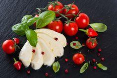 Domáca mozzarella hotová za 30 minút | To je nápad! Homemade Cheese, Mozzarella, 30th, Ale, Detox, Stuffed Peppers, Vegetables, Russian Recipes, Housekeeping
