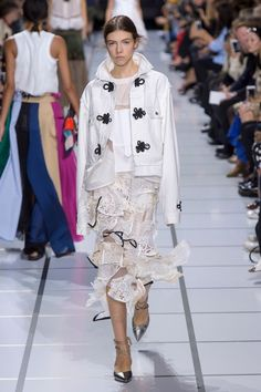 Sacai Spring/Summer 2018 Ready To Wear | British Vogue