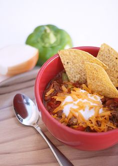 Easy Chili Recipe and Crock-Pot® Hook Up™ System - not sure why I haven't tried chili yet but this super easy recipe made it suuuuper easy and fool-proof!