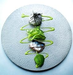 See more about Plating Techniques, Food Plating and Food Plating Techniques. …… - My Cooking Ideas 2019 Food Design, Assiette Design, Food Plating Techniques, Plate Presentation, Plate Art, Food Decoration, Dog Snacks, Edible Art, Culinary Arts