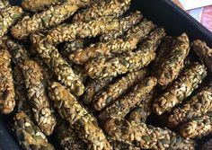 Κριτσίνια ολικής πολύσπορα σαν αγοραστά ❤️ συνταγή από Γιωτά Μουδράκη - Cookpad Food And Drink, Cooking Recipes, Bread, Snacks, Vegan, Cookies, Ethnic Recipes, Car, Bakken