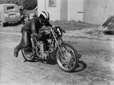 PHOTOS de COURSES 1950 / 1960 – Le Blog de François Fernandez Bugatti, Norton Manx, Mv Agusta, Bmw, Courses, Racing, Motorcycle, Vintage, Vehicles