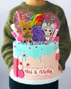 weve been making so many LOL dolls cakes I lost count Doll Birthday Cake, Funny Birthday Cakes, Homemade Birthday Cakes, Girl Birthday, Easy Cakes For Kids, Lol Doll Cake, Lolly Cake, Surprise Cake, Doll Party