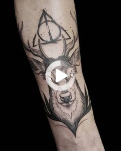 Discover the top 50 best Deathly Hallows tattoo ideas including men and women's tattoos on the arm, wrist, back and ankle. #forearmtattoos Small Feminine Tattoos, Cute Small Tattoos, Tattoos For Women Small, Simple Tattoo Designs, Tattoo Designs Men, Small Forearm Tattoos, Ankle Tattoo, Tattoos With Meaning, Deathly Hallows Tattoo