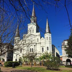 #stlouiscathedral #cathedral #neworleans #nola #louisiana #jacksonsquare #frenchquarter #instagood #instagram #wow_america #oldworldtreasures #lost_world_treasures #theroad #vip_world_photo #wow_america #casasecasarios #picoftheday #shotwithlove by 1wanderer