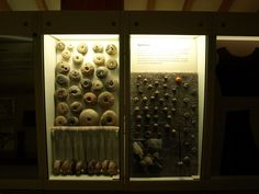 spindle whorls and loom weights (Wikinger Museum Haithabu)