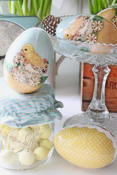 Aldri har jeg pyntet så tidlig til påske som jeg har gjort i år...men så har våren jammen meldt sin ankomst tidlig i år også da :) De sis...