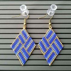 Beaded Earrings Native, Beaded Earrings Patterns, Seed Bead Earrings, Diy Earrings, Earrings Handmade, Embroidery Jewelry, Beaded Embroidery, Bead Jewellery, Beaded Jewelry