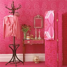 Pink dressing room.  Everybody looks good in pink, right?