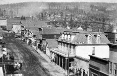 Chestnut St in Leadville, Colorado 1879 Leadville Colorado, Colorado Rockies, Colorado Springs, Old Pictures, Old Photos, Vintage Pictures, Antique Photos, Old West Town, Colorado Homes