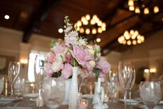 style me pretty - real wedding - usa - florida - ponte vedra wedding - reception decor - table decor - centerpiece - juliet garden roses, spray roses & gladiolus